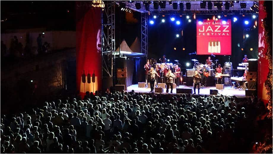 magnifique représentation sur scene lors du jazz festival de saint emilion
